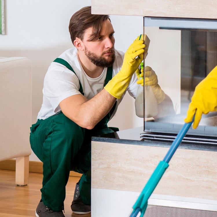 Servicio de limpieza y mantenimiento de chimeneas en Málaga